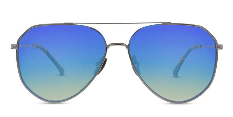 guy-guy gift guide- ultimate guys gift guide- gift guide- guy gifts-what to buy for guys-sports guy- guy holiday gift- sunglasses- ray ban dupes