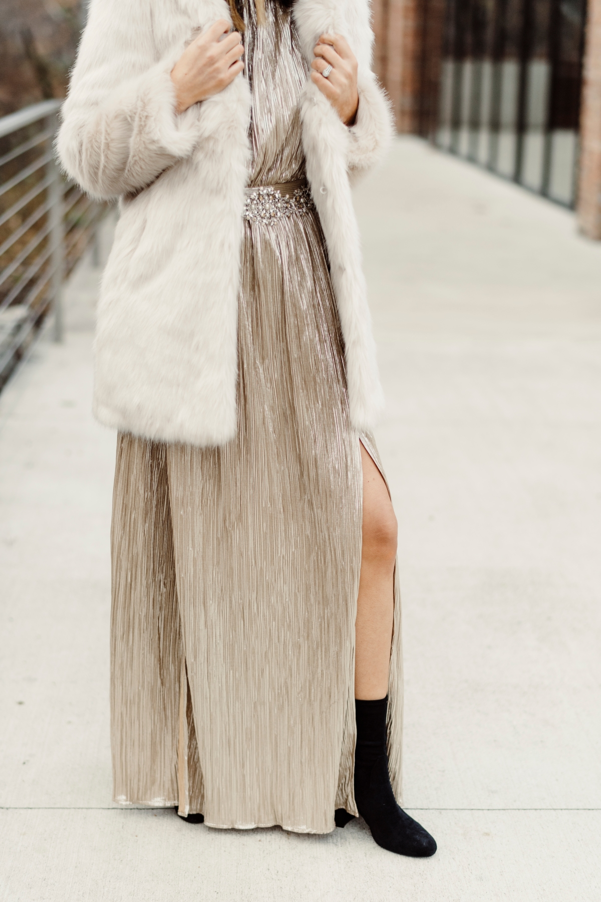 gala-affordable-glam-faux-fur-edgy-city-street-style-fashion-lux-luxury-budget-friendly-NYC-NYE-new-years-eve-holiday